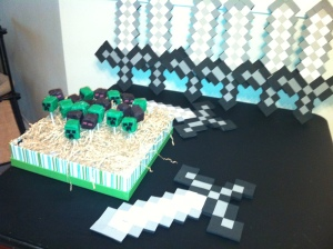 Minecraft party with Creeper & Enderman cake pops.
