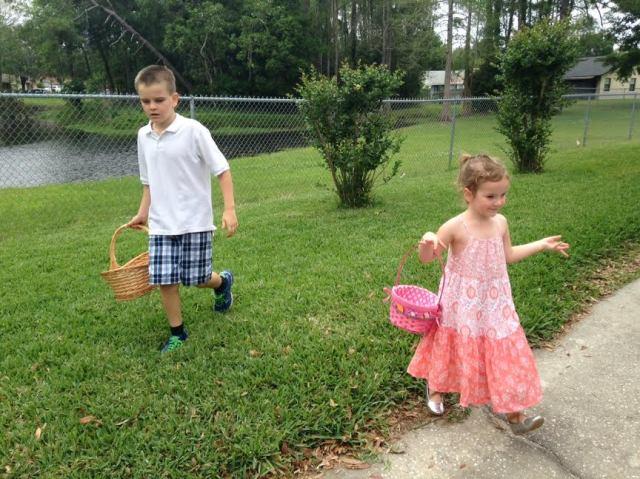 Colin & Lauren hunt for eggs.