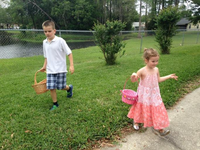Colin & Lauren hunt for eggs.