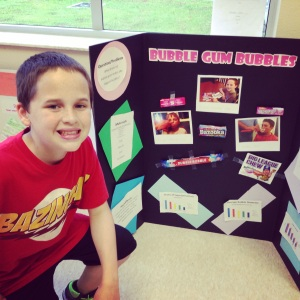 Brand of bubble gum makes the biggest bubble science fair project